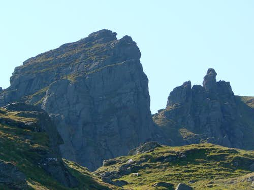 South and Main peak of The Cobbler