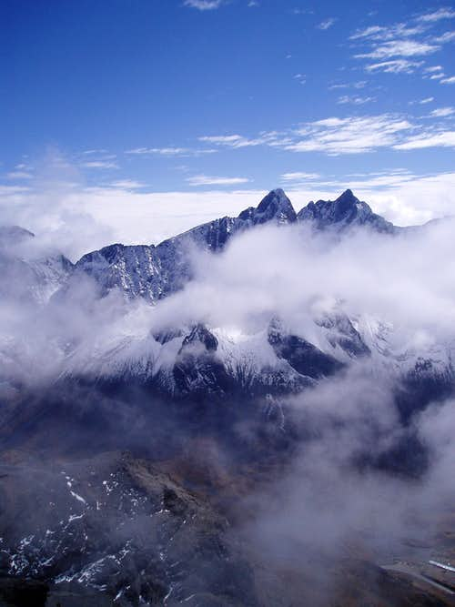 Picachu Khasiri - high above the road La Paz - Coroico