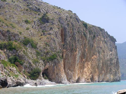 The Molpa cliff