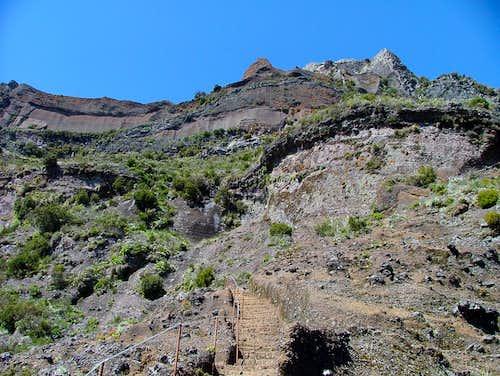 Pico das Torres (1851m)