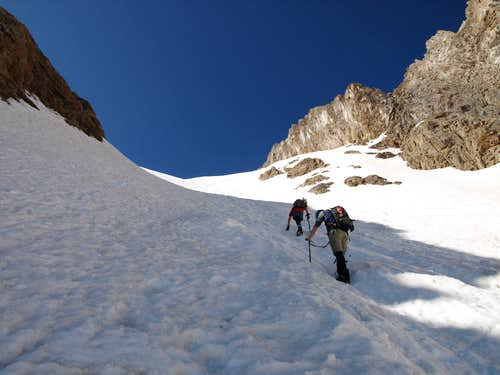 Climbers in Grizzly Peak's North Couloir