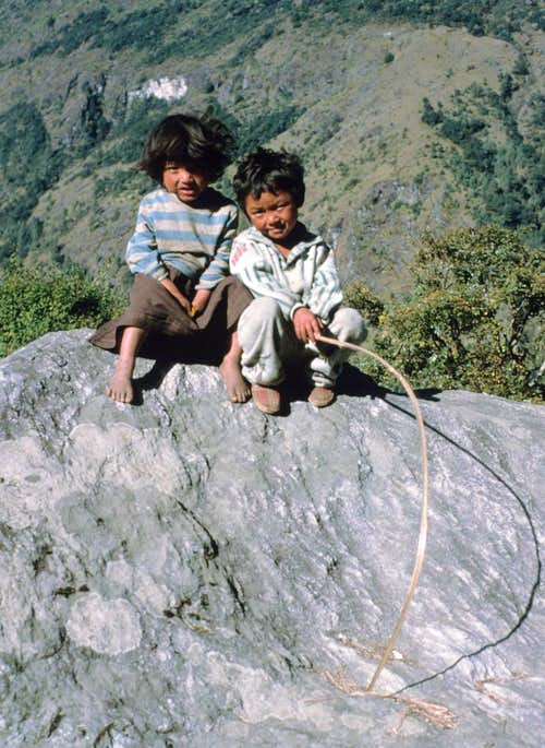 Children near Lukla