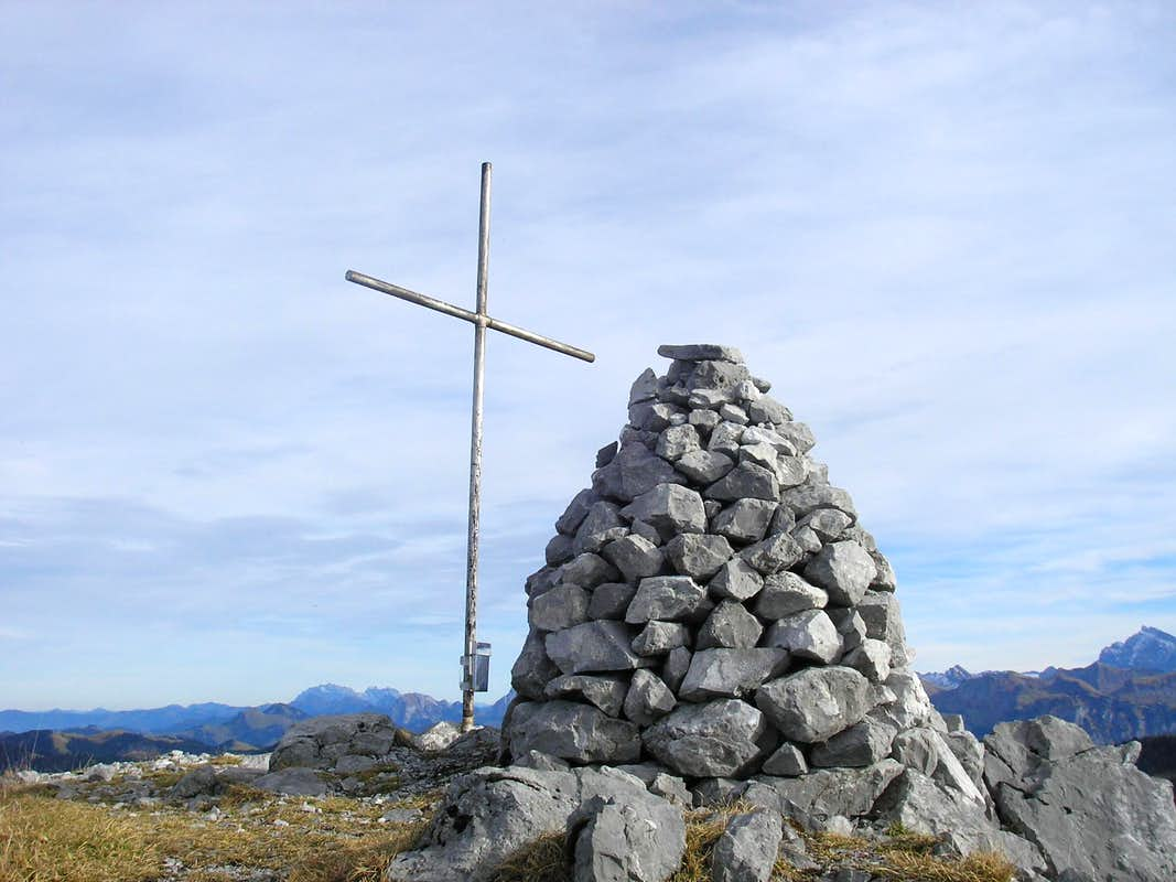 Summit of Kleiner Mythen 1811m (Haggenspitz)
