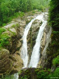 Lolaia waterfall