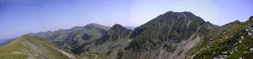 Păpuşa peak from the east
