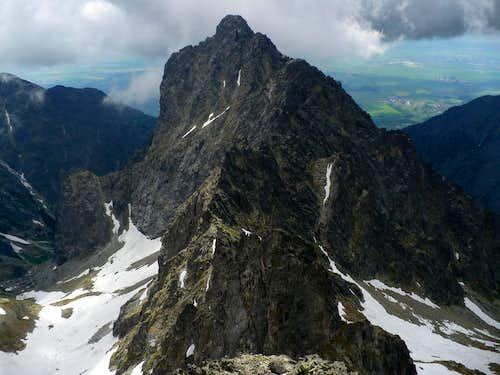 The narrow ridge of Prostredný hrot (2440 m)