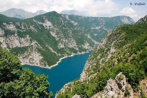 Pivsko Jezero lake in Piva Canyon
