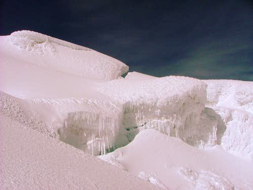 Cravasse and icecles. Cotopaxi.