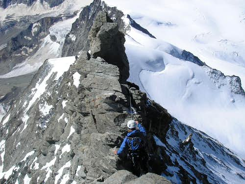 Dent Blanche 4357m - south ridge