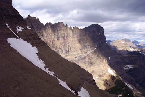 The Garden Wall from above Piegan Pass
