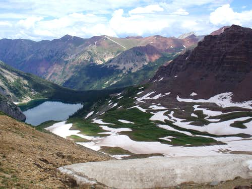 Final glimpse of Snowmass Lake and surrounding mountains