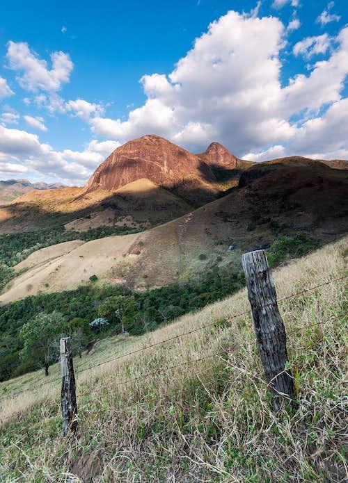 Alcobaça Peak and Mãe D'Água Rock