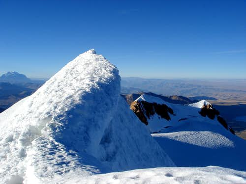 Huayna Potosi (6.088 m) - Summit cornice