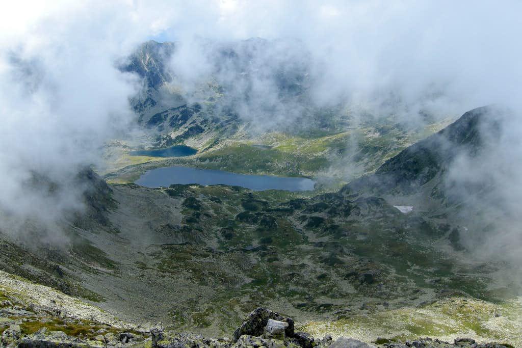 Bucura Lake surrondings