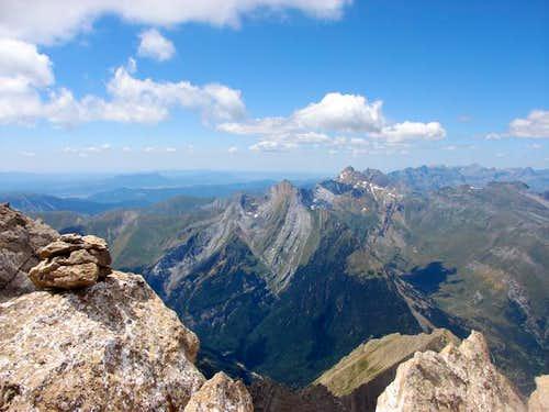Summit of Gabieto