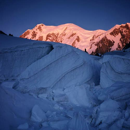 sunrise from glacier du Geant