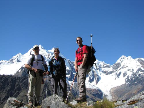 Tomas, Cheryl and Chris trekking