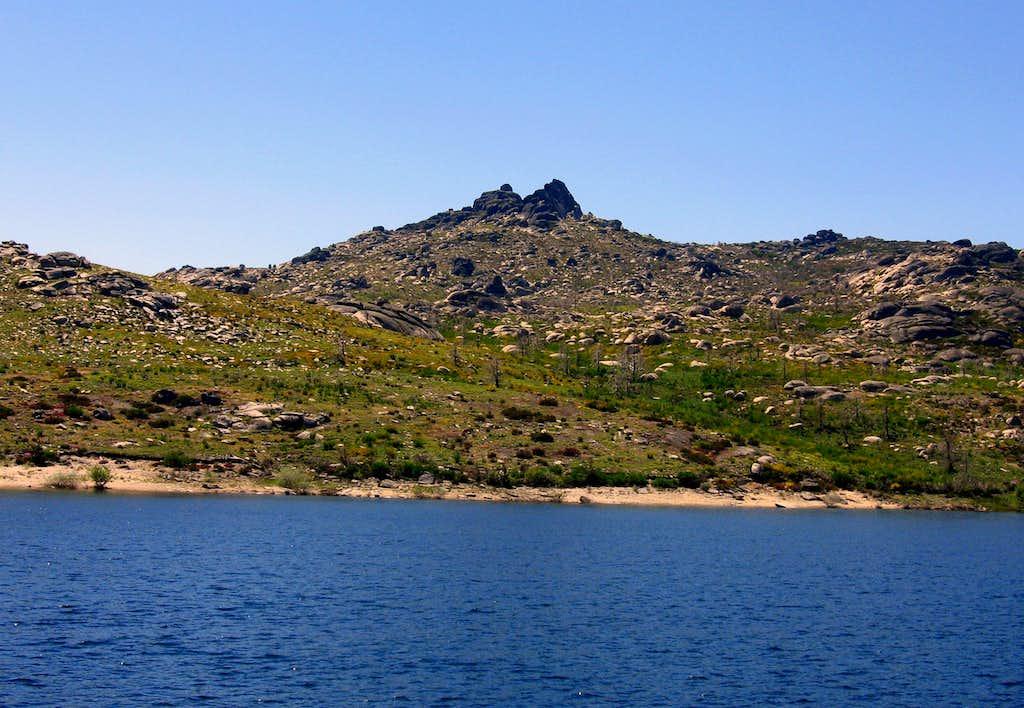 Estrela Lake