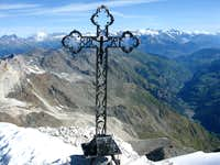 A beautiful summit cross on Brunegghorn 3833m