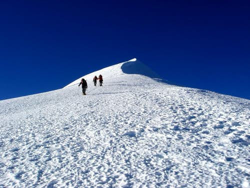 "Illimani (approaching ""false summit"")"