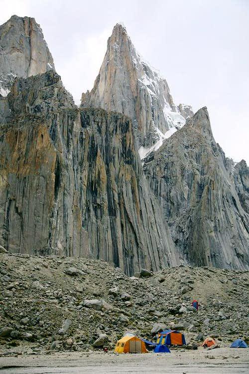Uli Biaho Tower (6109-M)