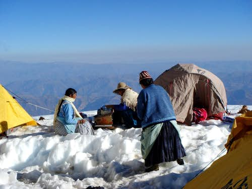 Cholitas at Illimani high camp