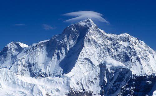 close-up on Makalu as seen from Mera Peak