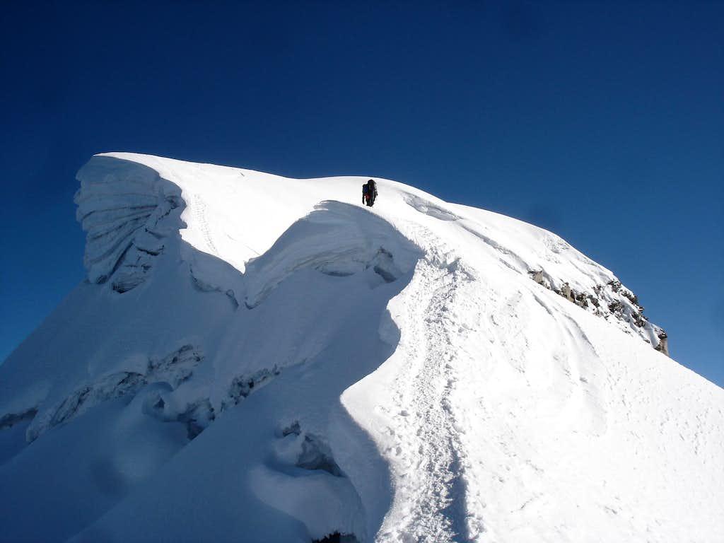 Vallunaraju summit