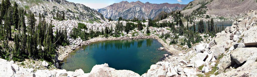 Panorama Red Pine Lakes
