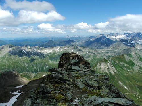 The last few metres on the ridge from Hagener Hütte