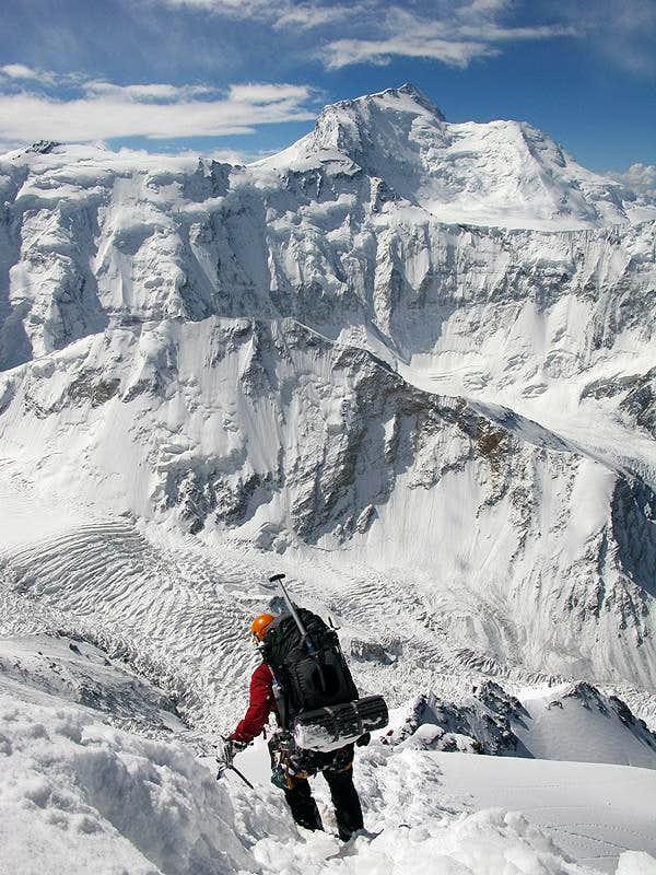 Descending Pik Korzhenevskaya