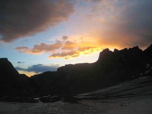 Sunrise on the Dinwoody Glacier