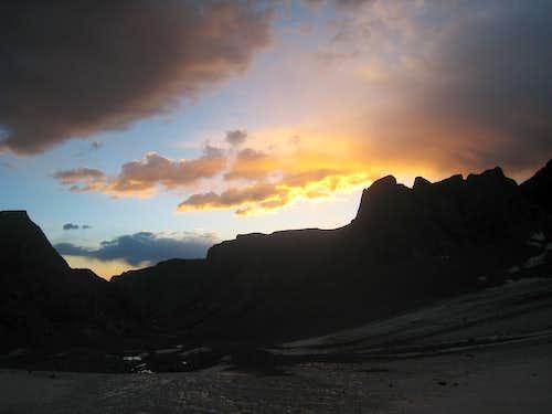 Sunrise on the Dinwoody Glacier
