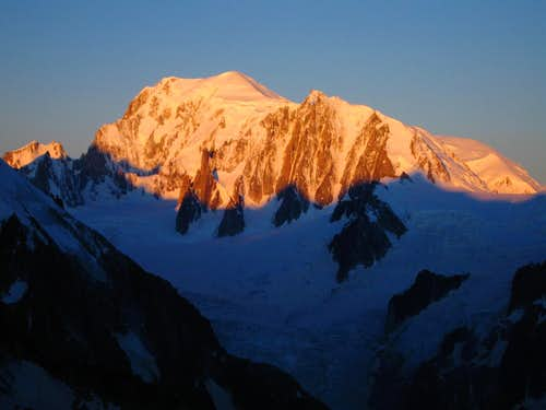 Mont Blanc glowing