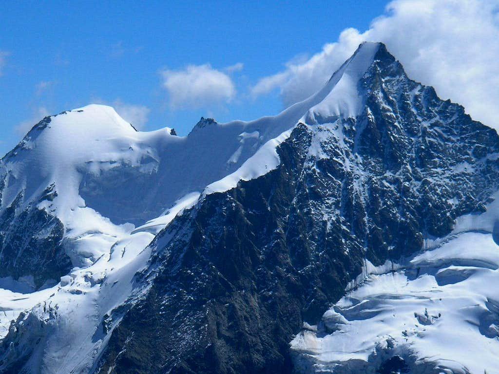 Wellenkuppe 3903m and Ober Gabelhorn 4063m