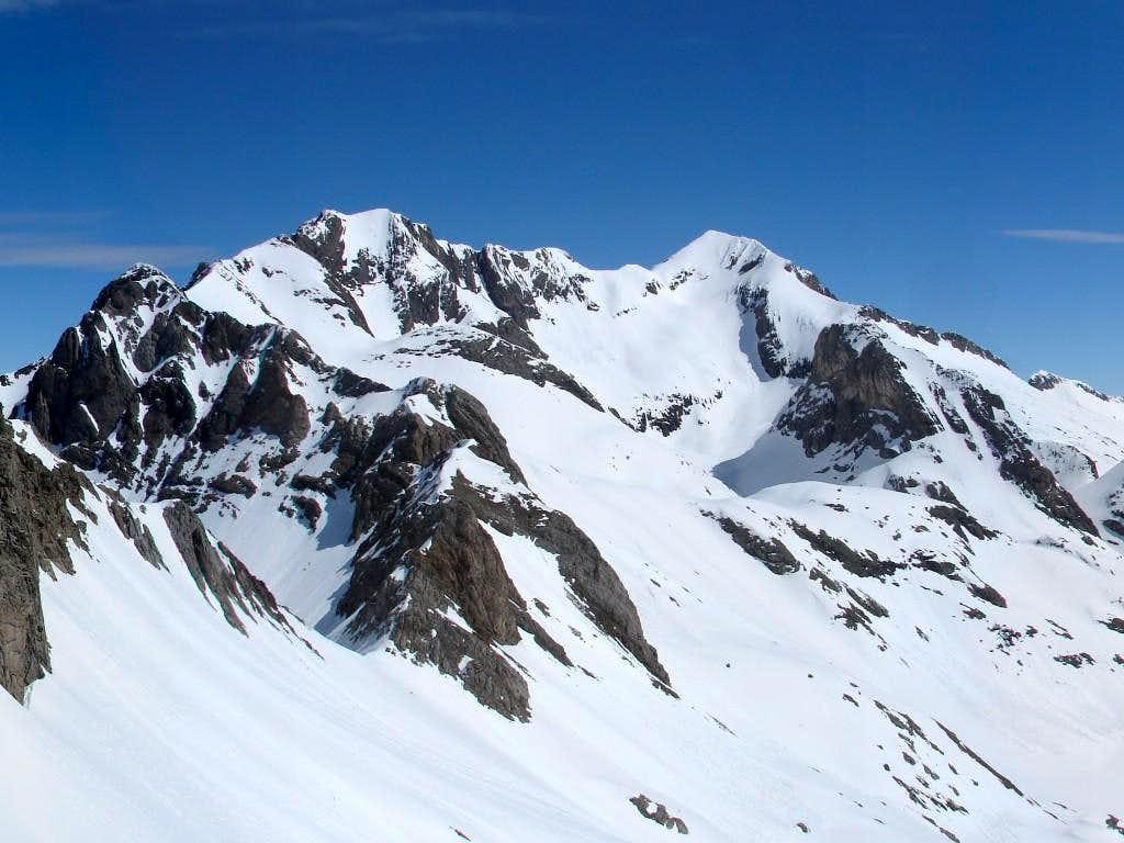 Espadas ridge and Posets