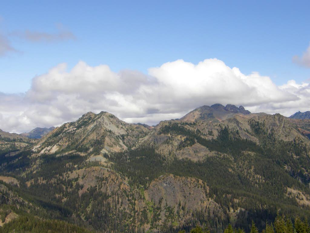Esmeralda/Ingalls Peaks from Koppen Summit