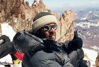 Me resting at 6700m - start...