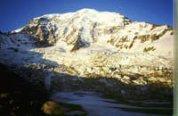 Mount Rainier\'s Liberty Ridge