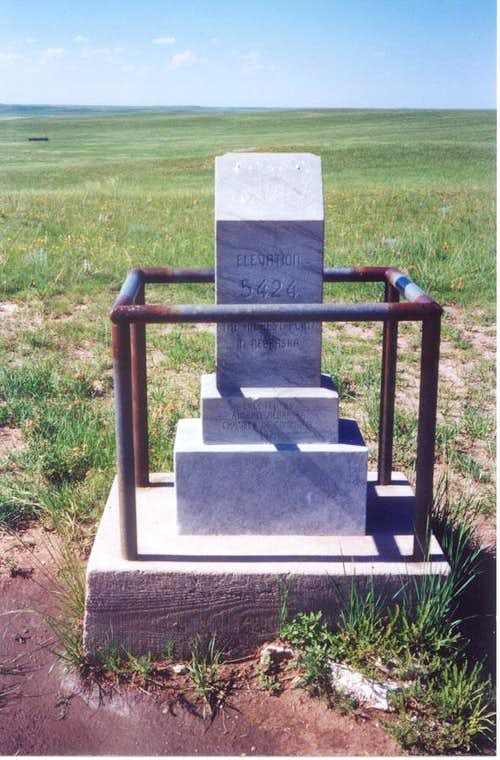 Panorama Point -- Summit monument (2003)