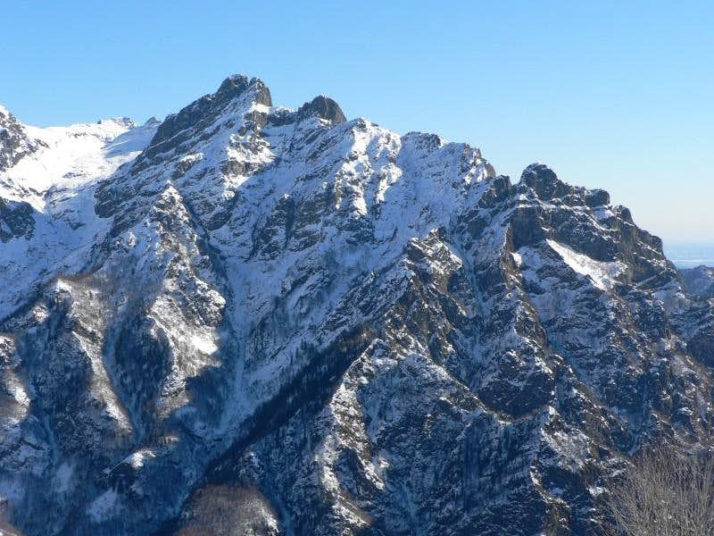 Mount Pedum in winter