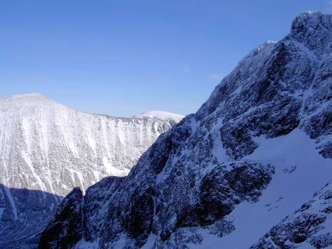 Tower Ridge route on Ben...