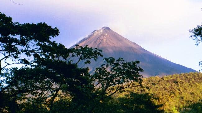 Volcan Arenal from the west....