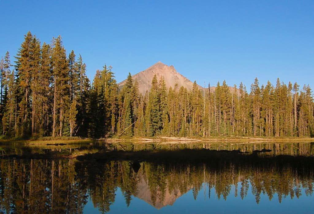 Mt. McLoughlin from a little pond near Fourmile Lake