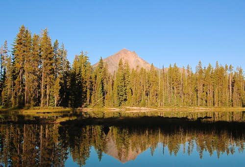 Mt. McLoughlin from a little pond near Fourmile Lake