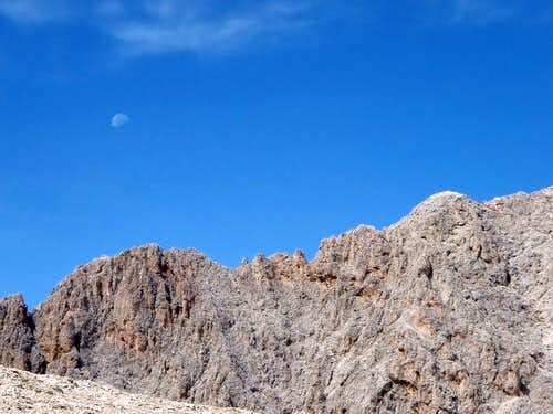 Moon over Antermoja ridge
