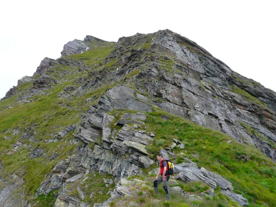 the beginning of the south-west ridge