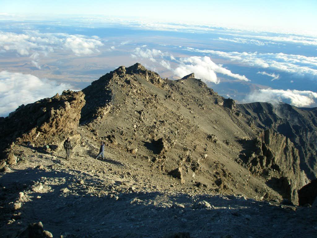 On the crater rim of Meru