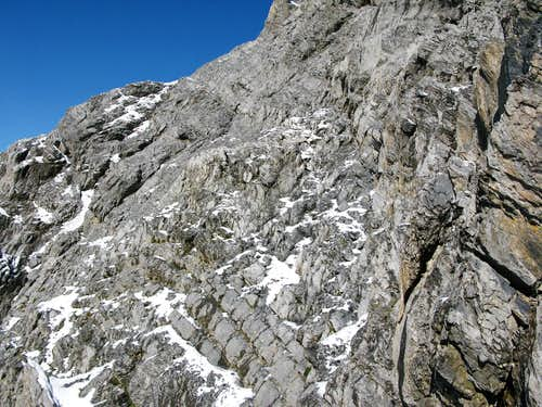 Ascent through the south wall of Grand Muveran 3051m