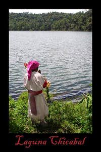Sacerdote Maya praying on the shores of Chicabal